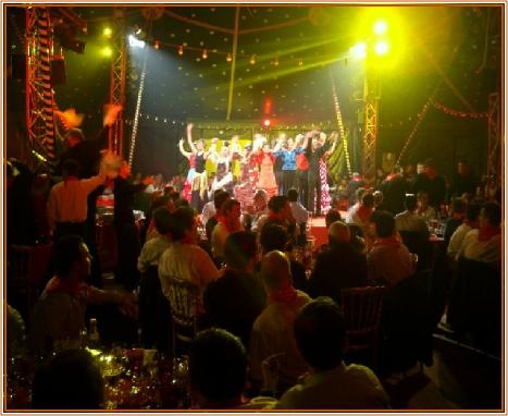 Cabaret guinguette bord de marne d ner spectacle dans l for Animation yvelines